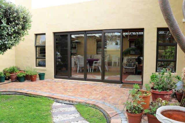 Property For Sale in Melkbosstrand, Melkbosstrand 12