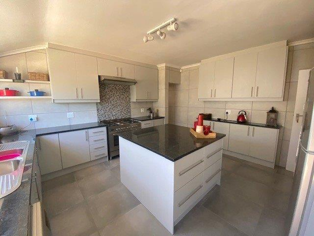 Property For Sale in Duynefontein, Melkbosstrand 12