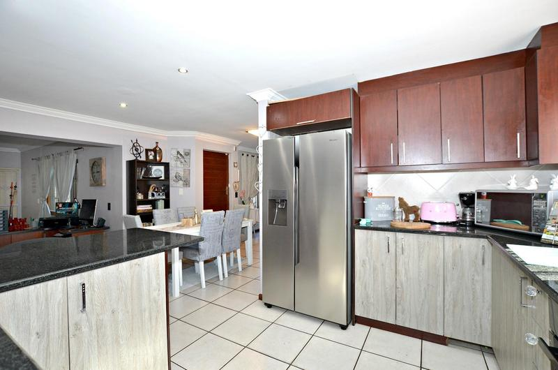 Property For Sale in Parklands, Cape Town 18