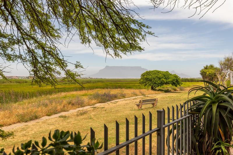 Property For Sale in Flamingo Vlei, Cape Town 2